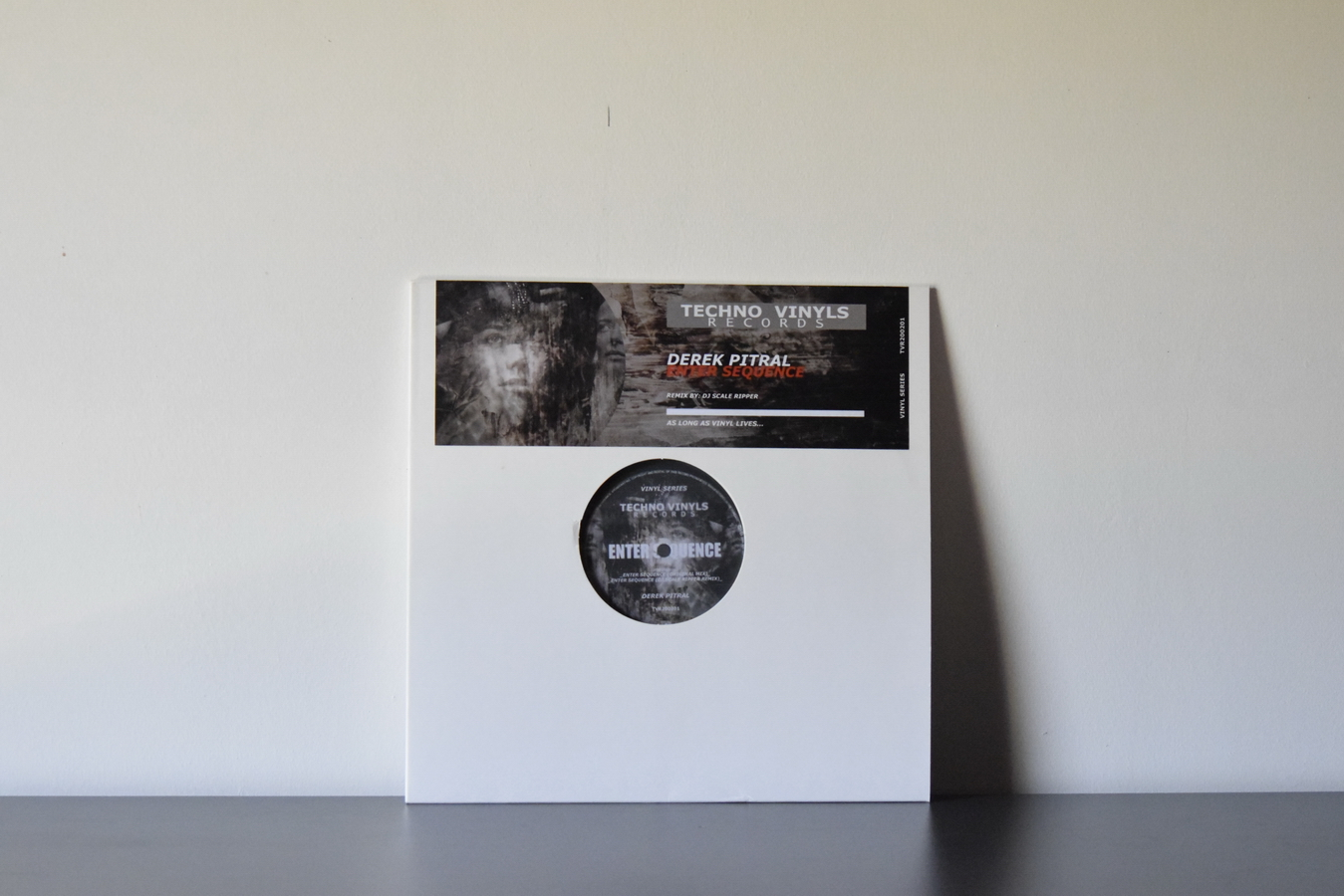 Derek Pitral – Enter Sequence EP
